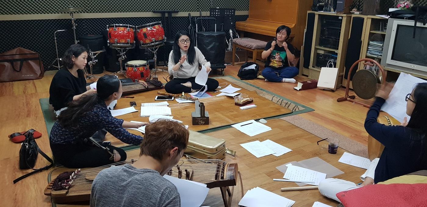 '박필근뎐' 연주자들이 연습을 하고 있다 ©김도연