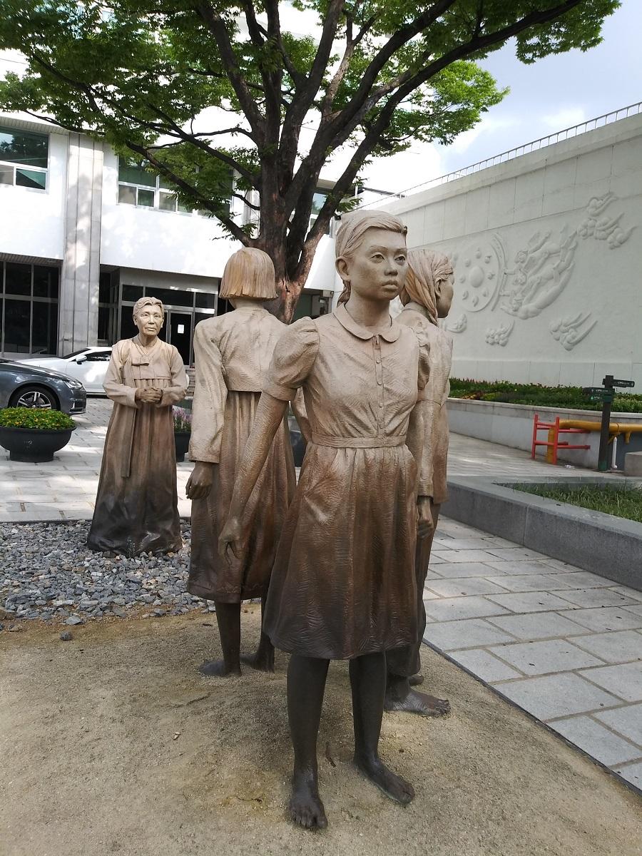 기림비 '정의를 위한 연대' ©오하라미