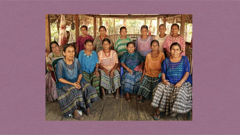 세푸르 자르코의 생존자들(사진출처: UN WOMEN)