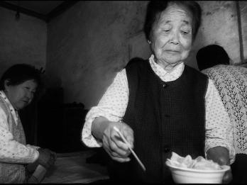 [포토에세이] 역사의 뒤안길에서 만난 조선인 피해자들 03. 백넙데기 이야기 – 쓴 웃음에서 전해진 역경의 세월